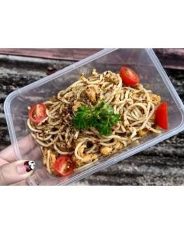 Spaghetti Aglio Oglio With Chicken Bites